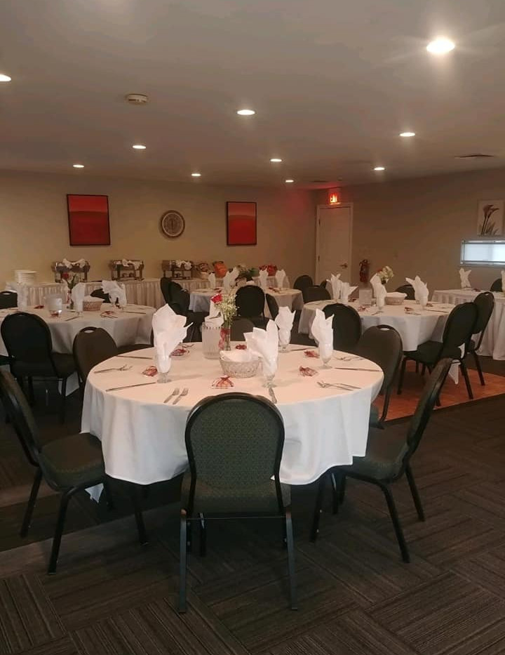 FAIRWAY ROOM EAST.jpg