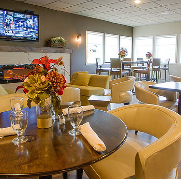 Par 4 Bistro at Par 4 Resort in Waupaca, Wisconsin with golf course view seating