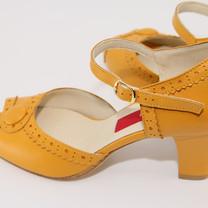 Belle, Deep Yellow