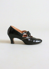 1920s black and tan leather shoes
