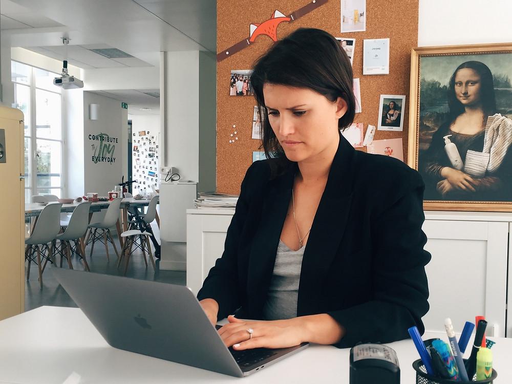 femme entrepreneur travail