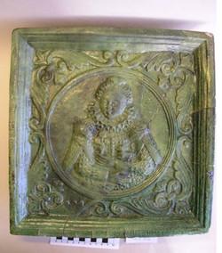 плитка из раскопок в праге. 17 век.jpg
