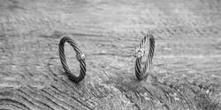 Titaaninen vaijerisormus timantilla