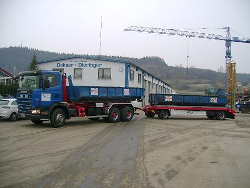 Containerfahrzeug m. Hänger.jpg