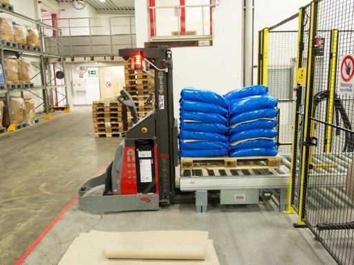 Élimination des interventions humaines sur les lignes de palettisation et d'emballage logistique