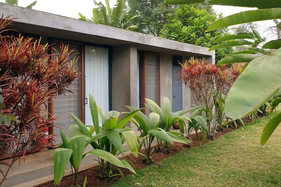 Kaliwa Lodge_outside_19.jpg