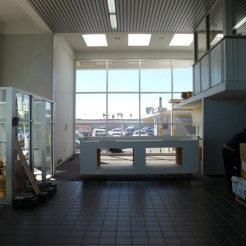 1-Install Aquarium Stand in ShowRoom