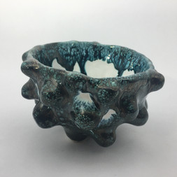 earthernware bobbly pinchpot