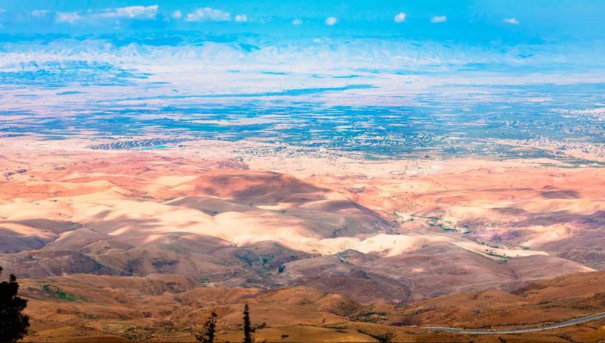 israel monte nebo.jpg