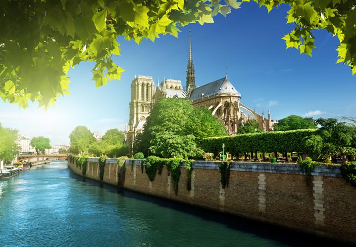France Paris dreamstime_l_30273660.jpg