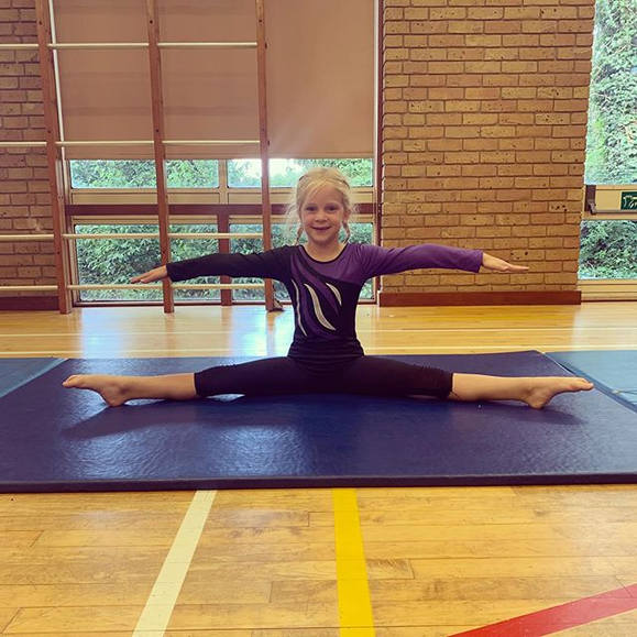 FLEXIBILITY💪🏼 • • • In our acro classe