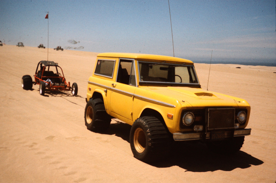 1972 Bronco at Pismo with sand buggy