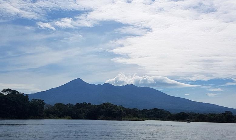 #006 vulkanen mombachu, nicaragua