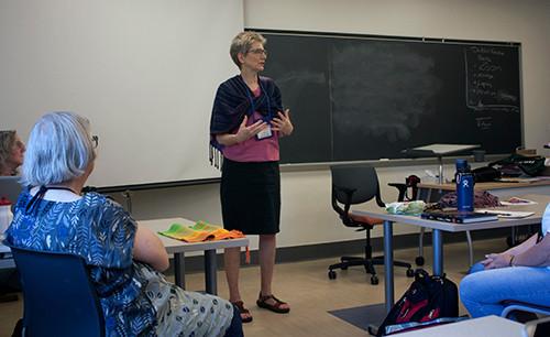 Sara teaching class.