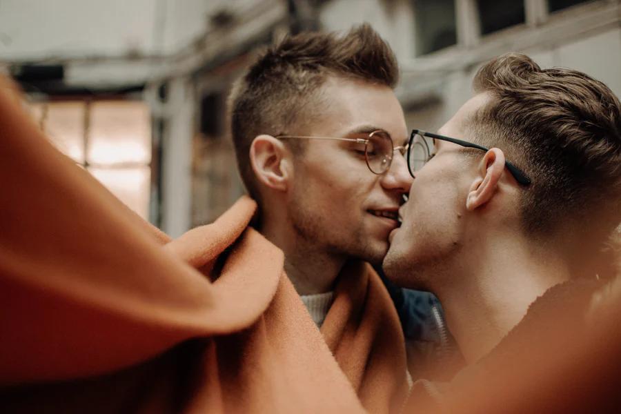 Sex scene changing men glasses kissing JAWBREAKING