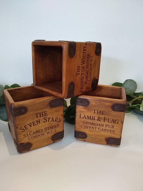 Wooden Cafe Boxes - Pub Style