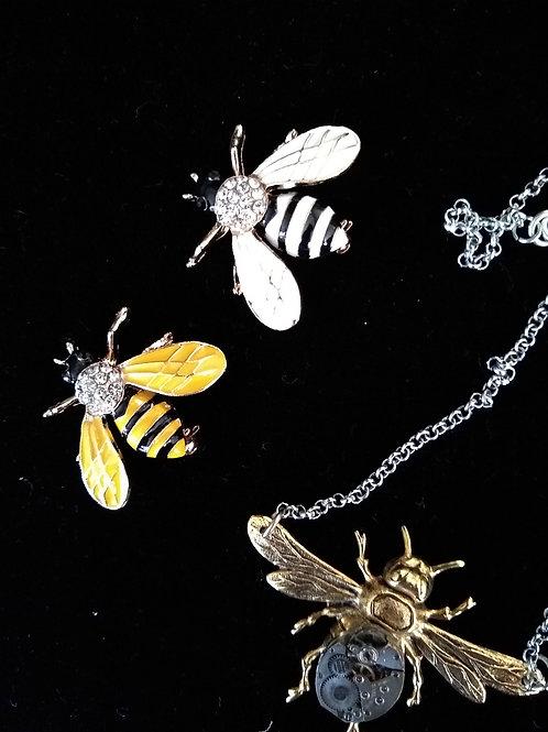 Bee Brooch - Diamante & Gold Tone (Costume)