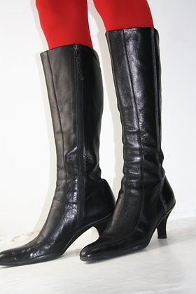 PRADA leather high 00s boots