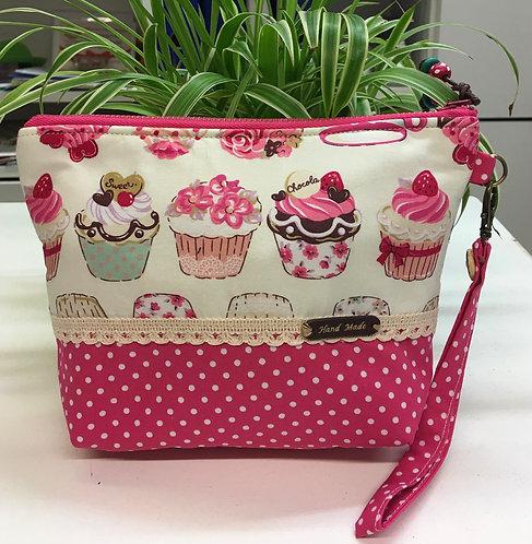 Meikkipussit / make-up bags