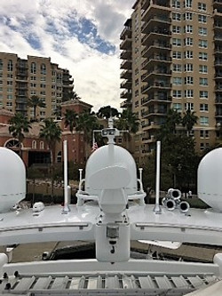 YACHT DOMES