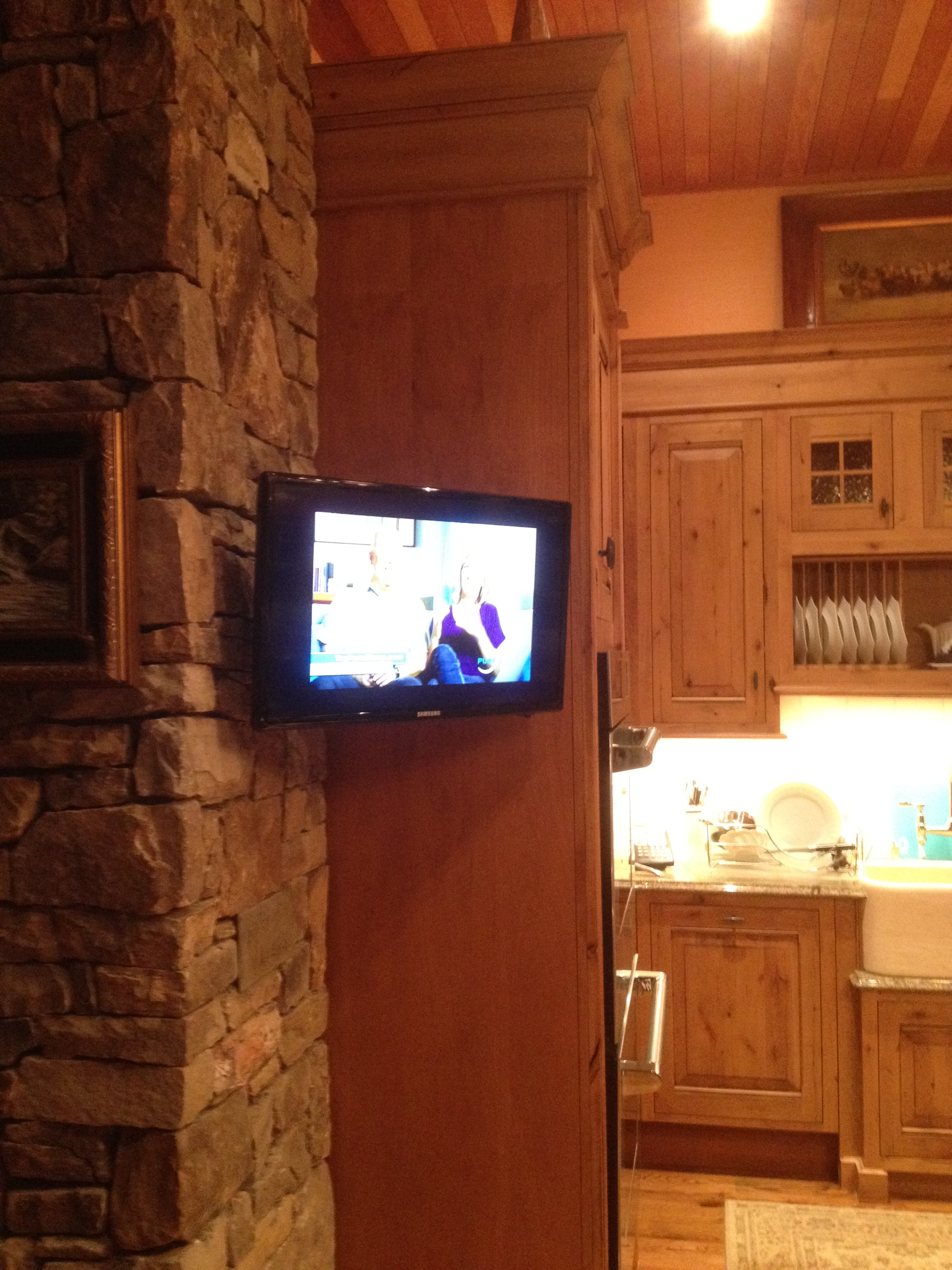 TV KITCHEN