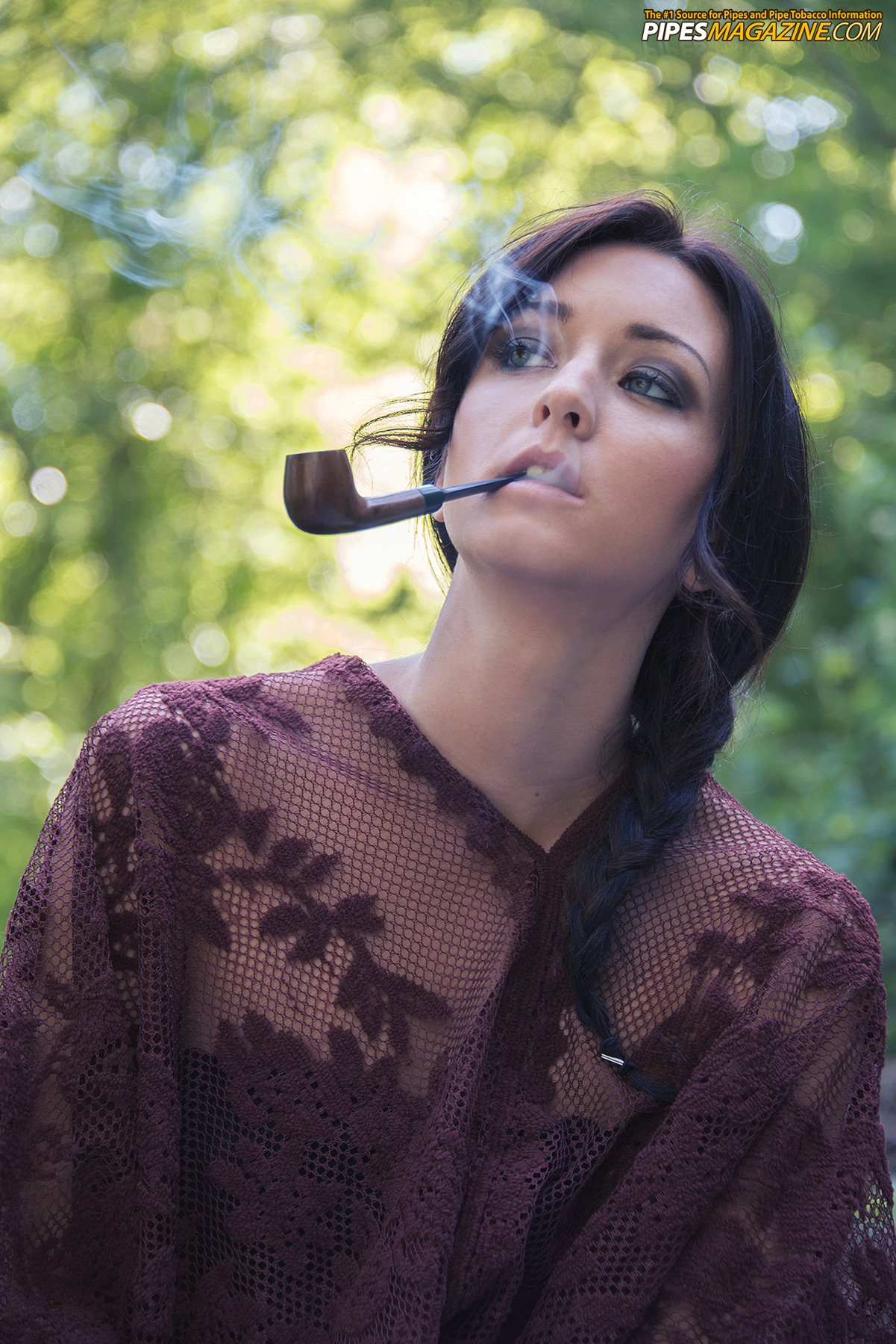 gina-roode-smoking-a-pipe-11