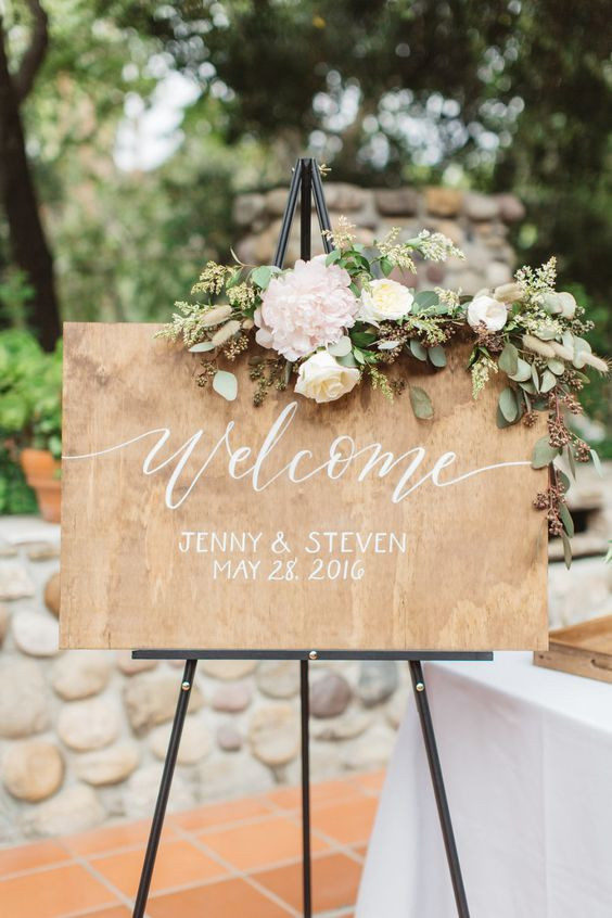 Wooden Board with Floral & Easel