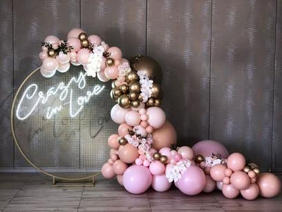 Round Frame with Neon Signage & Balloon Garland