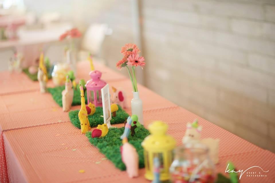 Soft Toys & Grass Table Runner