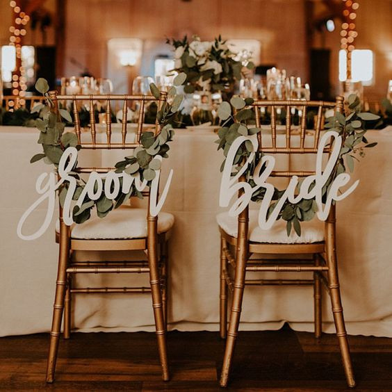 Leave Garland with Groom & Bride Signage