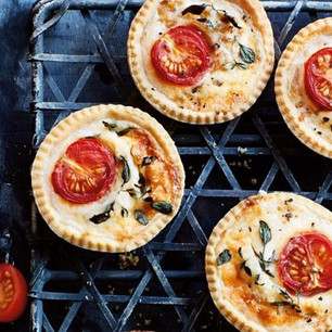 127_cheese_tomato_tartlets_s600x600_c853