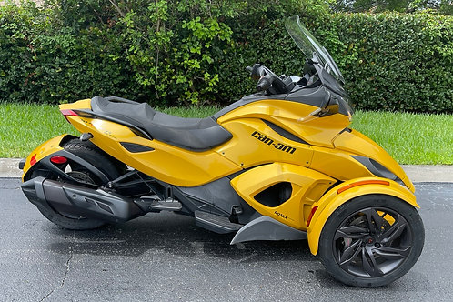 2013 Can-Am Spyder STS  Only 241mi