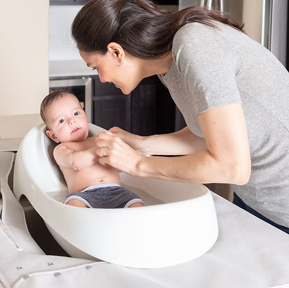 The essential safety accessories to a baby bath tub