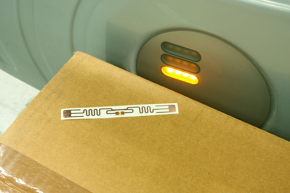 Rfid Label On Box.jpg