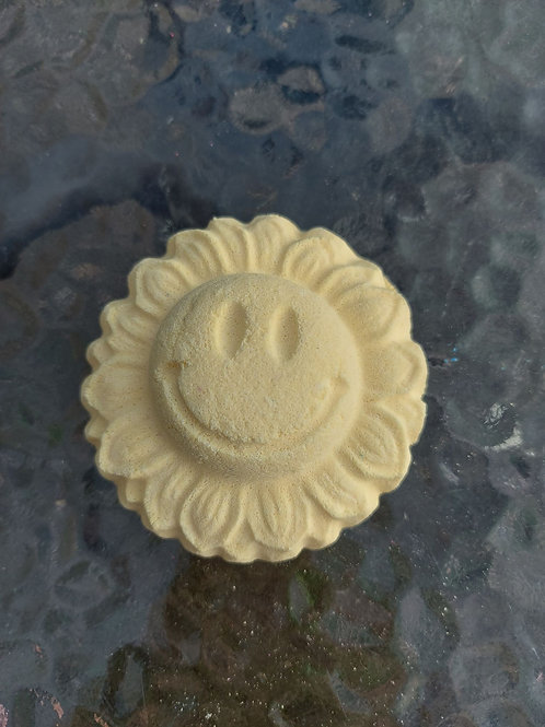 Smiling flower plastic (not only) bath bomb Mould