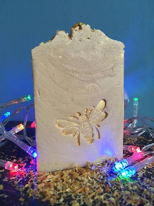 "Bee Soap Stamp - footprint 1.42"" x 1.14"" (36mm width x 29mm height)"