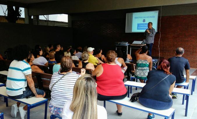 Escola Antonio Ablas Filho, Santos, SP: Palestras de Sensibilização e Construção de Combinados com p