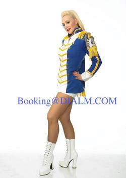 Gwen Stefani Vegas #Lookalikes #DIALM
