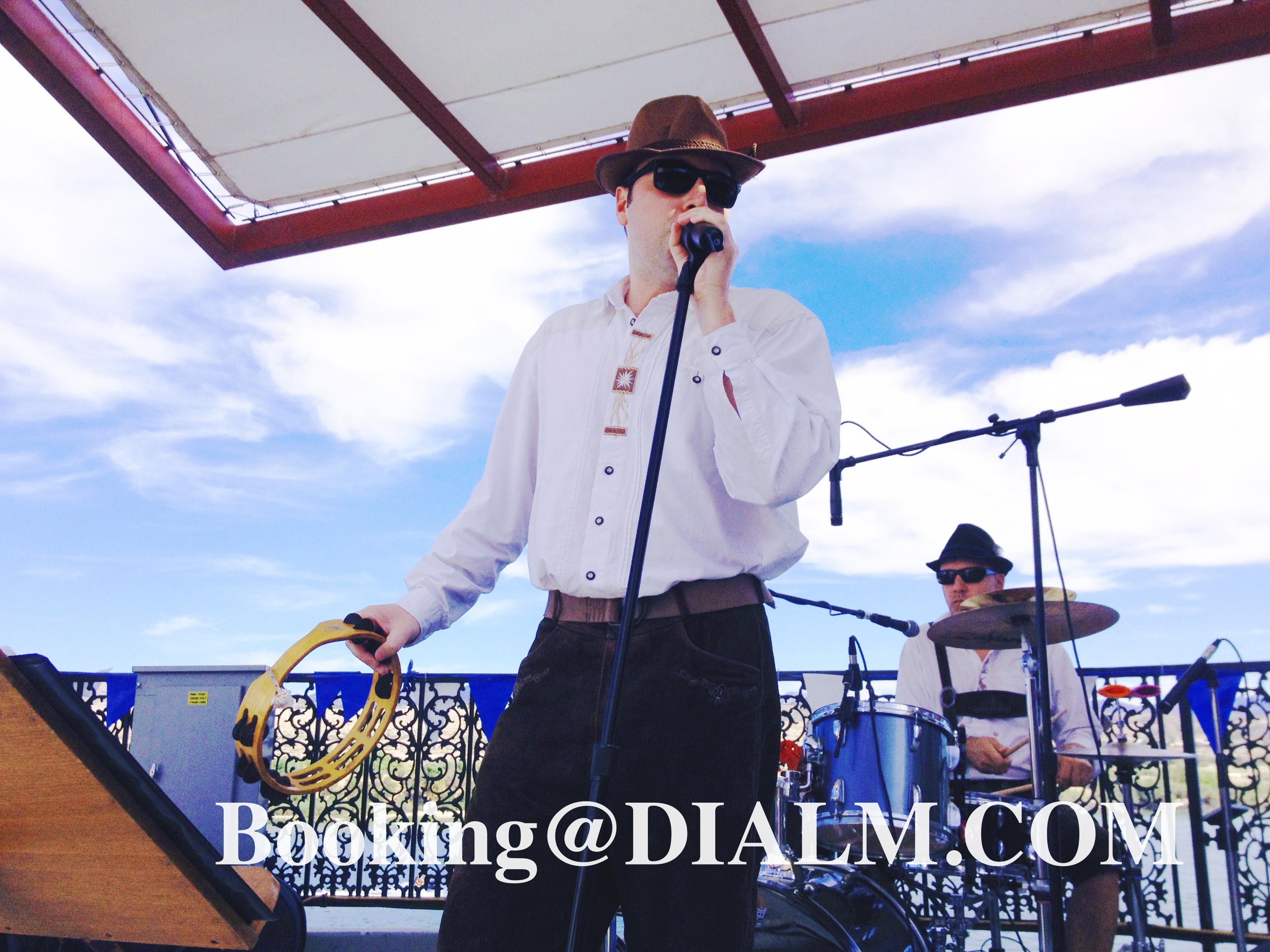 octoberfest band #Oktoberfest Vocals Singer #DIALM