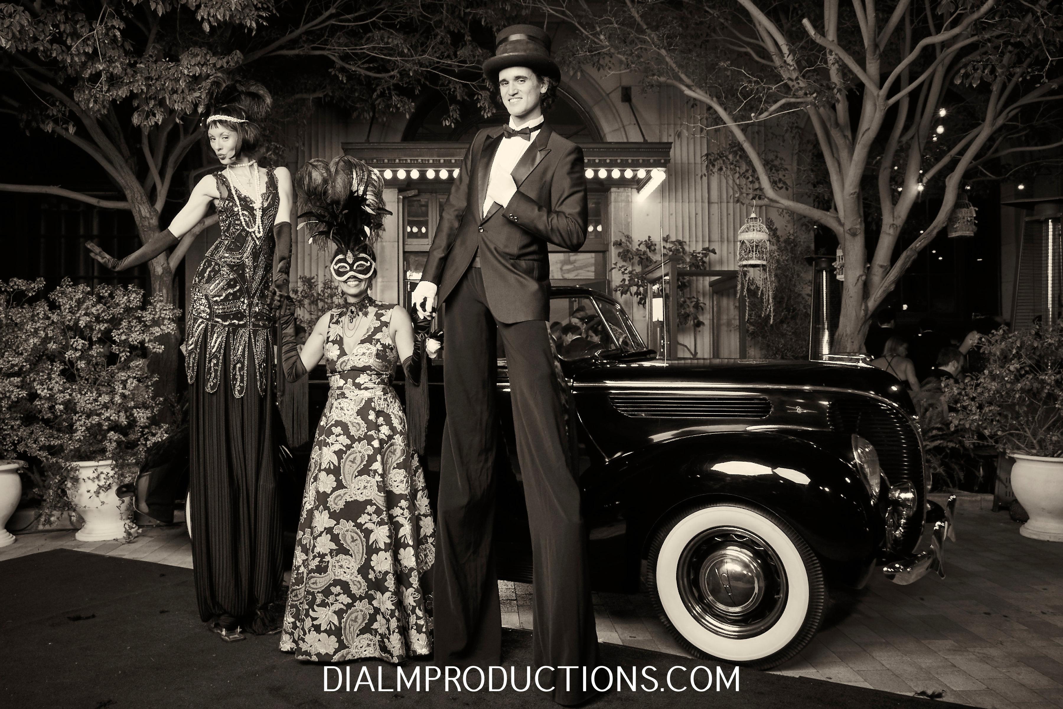 1920's Gatsby Stilt Walkers 6 DialM