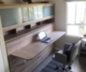 cama-plegable-abatible-con-escritorio-abatible-y-muebles-a-medida