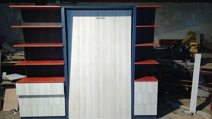 Cama vertical con mueble lateral