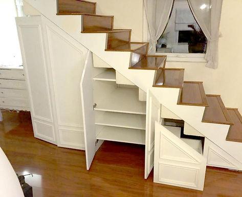 Closet bajo escalera
