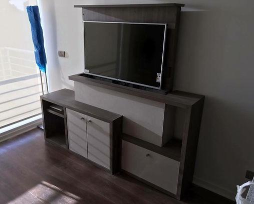 rack o mueble tv lift que oculta la televisión dentro del mueble de forma automática y electrónica