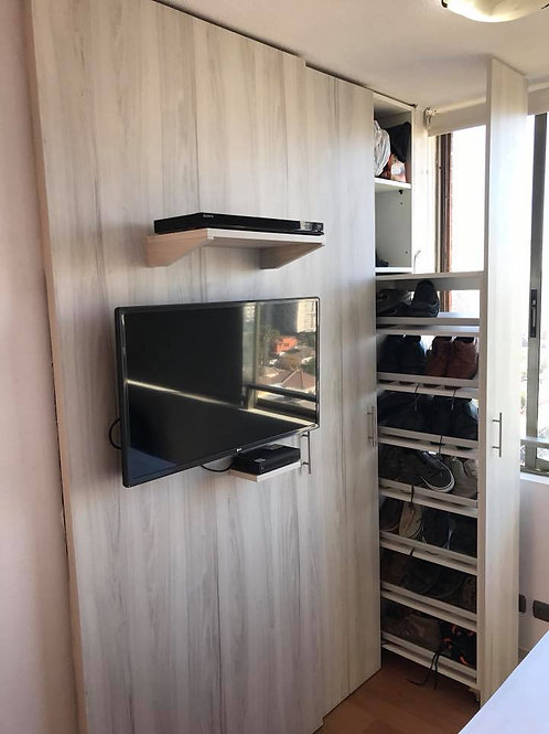 Closet con soporte de TV