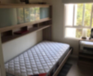 cama-plegable-abatible-con-colchón-y-muebles-a-medida