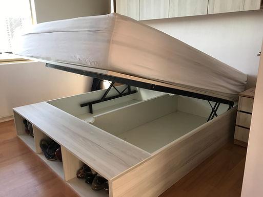 Cama baúl con muebles a medida