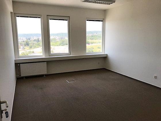 Prenajmeme samostatnú časť admin. priestorov v admin budove v Bratislave Rači.