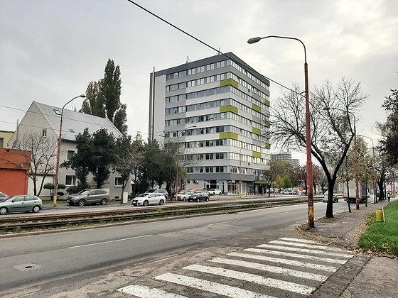 Prenajmeme nebytový priestor na rôzne využitie v Bratislave na Račianskej ulici.