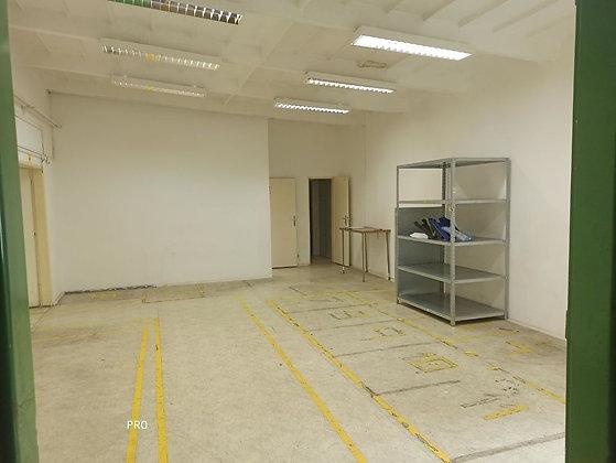 Prenajmeme vykurovaný, klimatizovaný sklad s kancelário, sprchou v Bratislave II